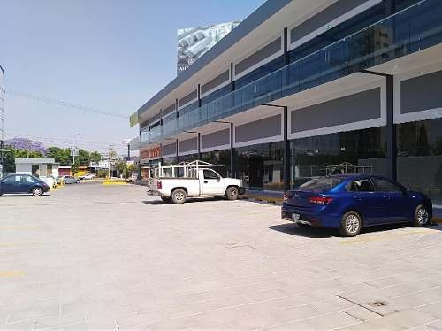 locales en renta en nueva plaza comercial / calzada zavaleta