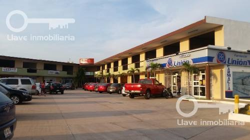locales en renta, plaza san javier.