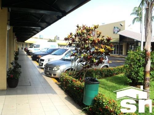 locales en renta plaza santa ana lr-525