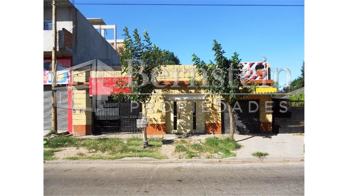 locales en venta con vivienda :: sobre avenida