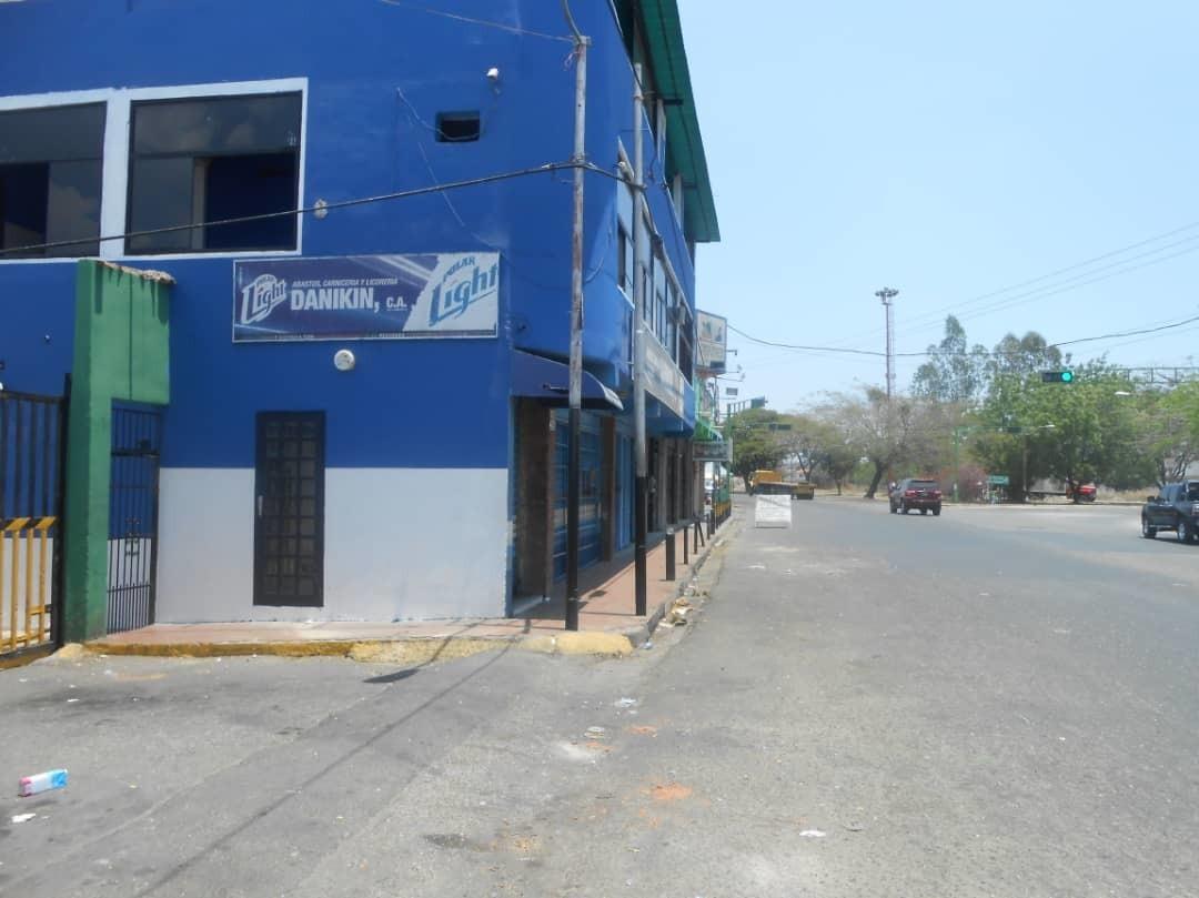 locales negocios y hotel