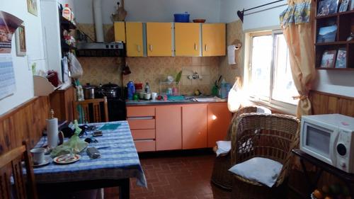 locales y viviendas, ideal varias rentas. m buena ubicación!