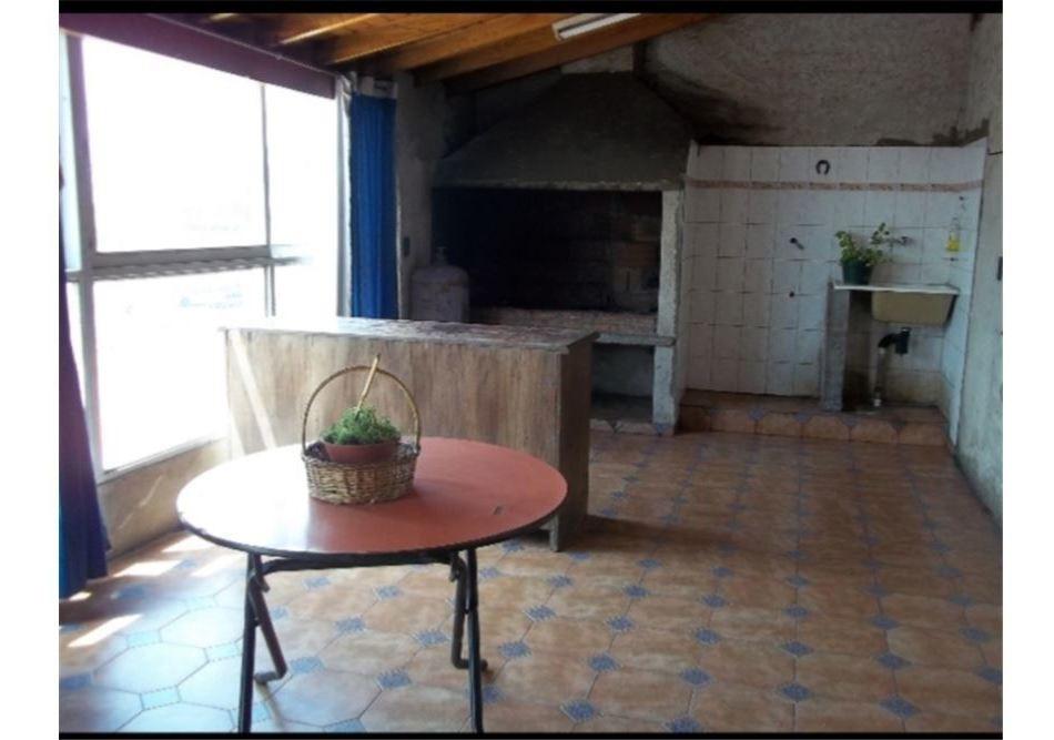locales,galpón y casa con quincho en venta