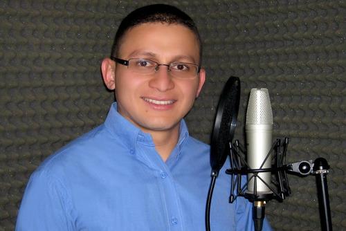 locutor profesional voice over voz institucional