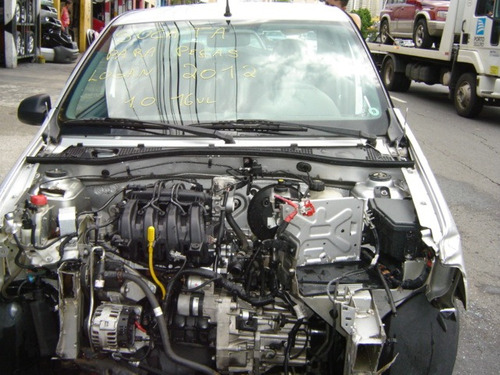 logan 1.0 16v - sucata motor cambio portas  e acabamentos