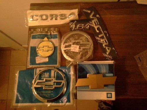 logo baul meriva 2007 moño dorado nuevo en caja original gm