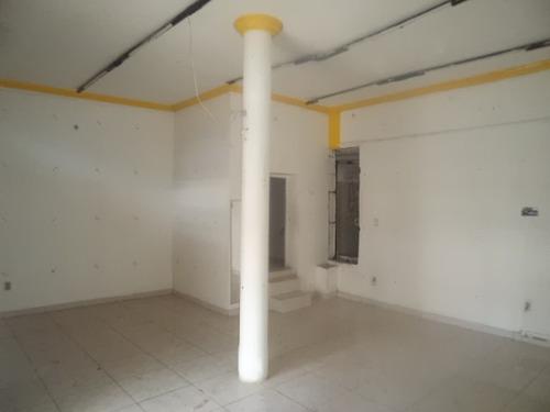 loja com área de 70 m² na liberdade (623745)