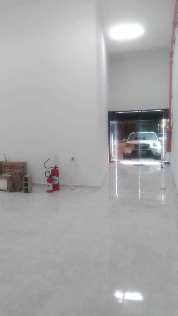 loja comercial com 2 banheiros, 1 escritório e 1 vaga garage