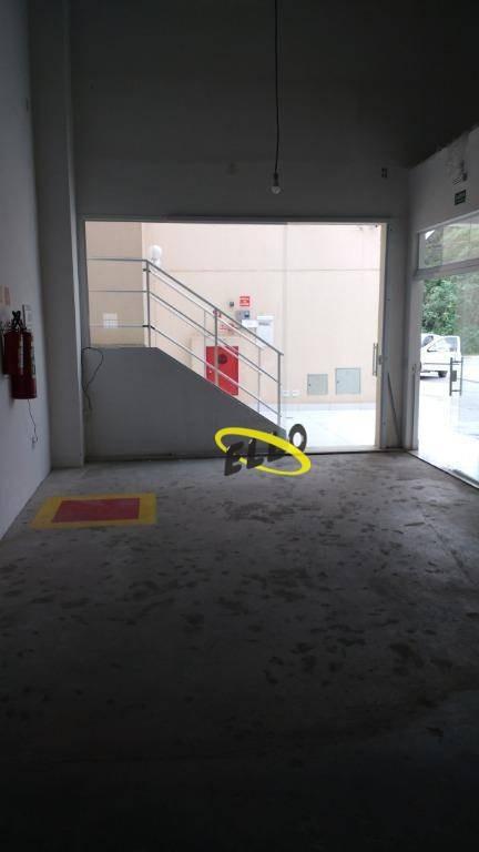 loja em centro comercial com posto de gasolina km 36 raposo tavares - lo0046