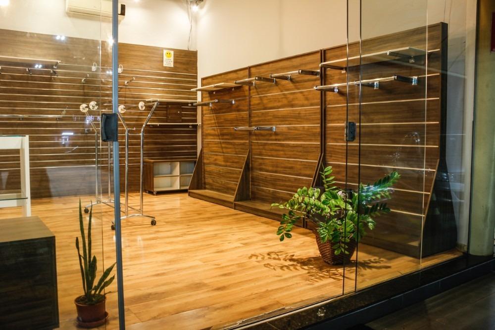 loja localizada em conveniência do posto cidade jardim.
