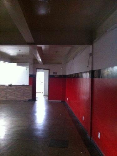 loja + sobre loja + ou - 450m²  com escritório, 04 banheiros e área de estacionamento - 902