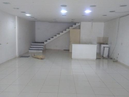 lojão de 320 m², no centro de macaé