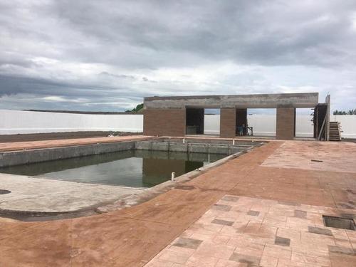lomas de la rioja, terreno en venta de 162 m2 en $4,075 m2 (iv)