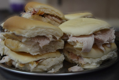 lomitos -cazuelas- pizza party-eventos-catering-lunch