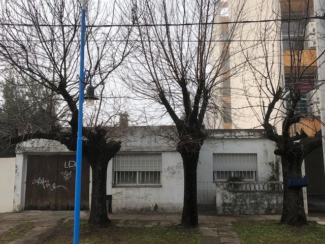 los lazaristas 700 - escobar - casas chalet - venta