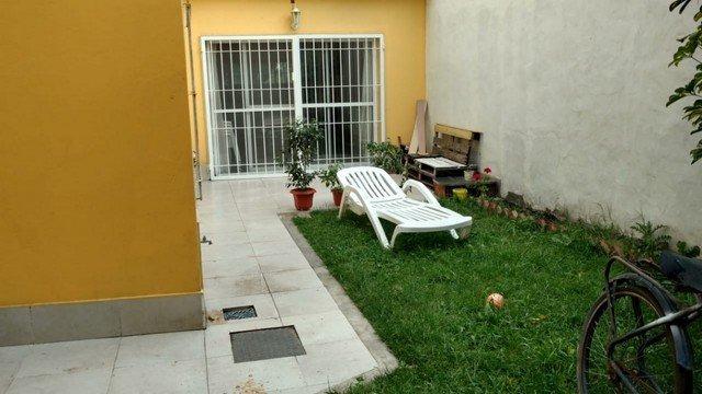 los pinares, chalet 4 ambientes, reciclado. jardin