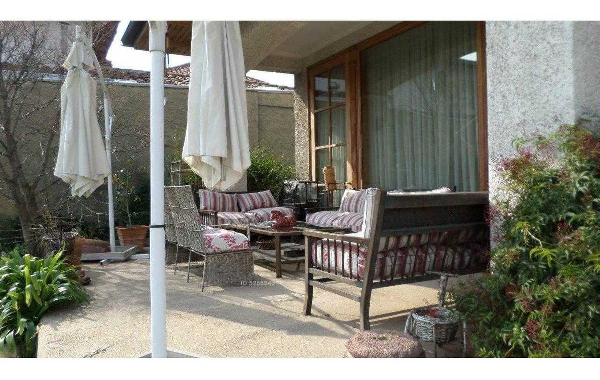 los trapenses- monte carmelo excelente casa chilena y gran jardín!!!!