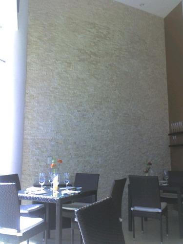 Loseta marmol travertino beige acabado rustico for Marmol travertino verde