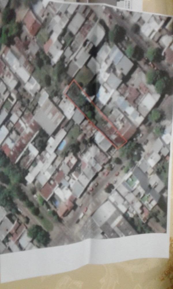 lote 10 x 60 - 600 mts - posee dos casas y terreno.