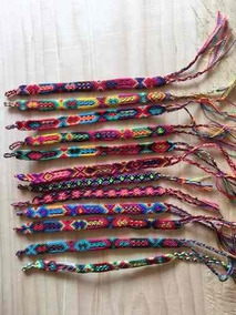 eaa537af8374 Lote 15 Pulseras Chicas De Hilo Encerado Tejidas A Mano