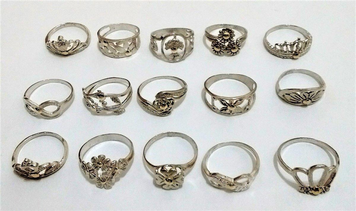 d71bd9b59e2b lote 15 anillos económicos de plata 925 con apliques de oro. Cargando zoom.