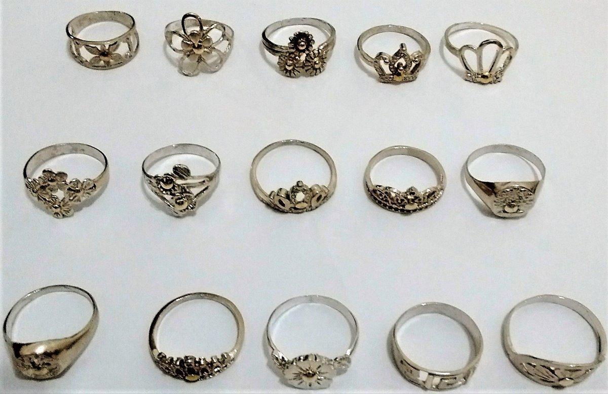 64831b3d8262 lote 15 anillos económicos plata 925 con apliques de oro. Cargando zoom.