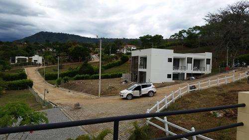 lote 1568m2, condominio en zona residencial campestre