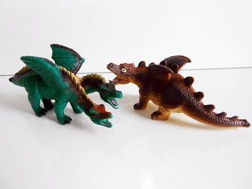 lote 2 dragões de borracha rpg - dungers - mitologia
