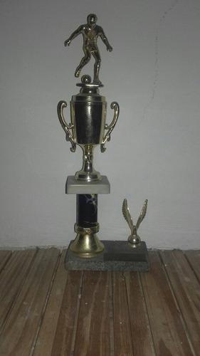 lote 2 trofeos de fútbol