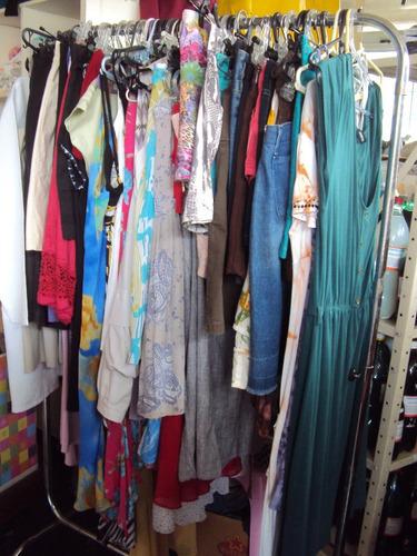 lote 20 pçs roupas usadas  femininas variadas adulto  30,00