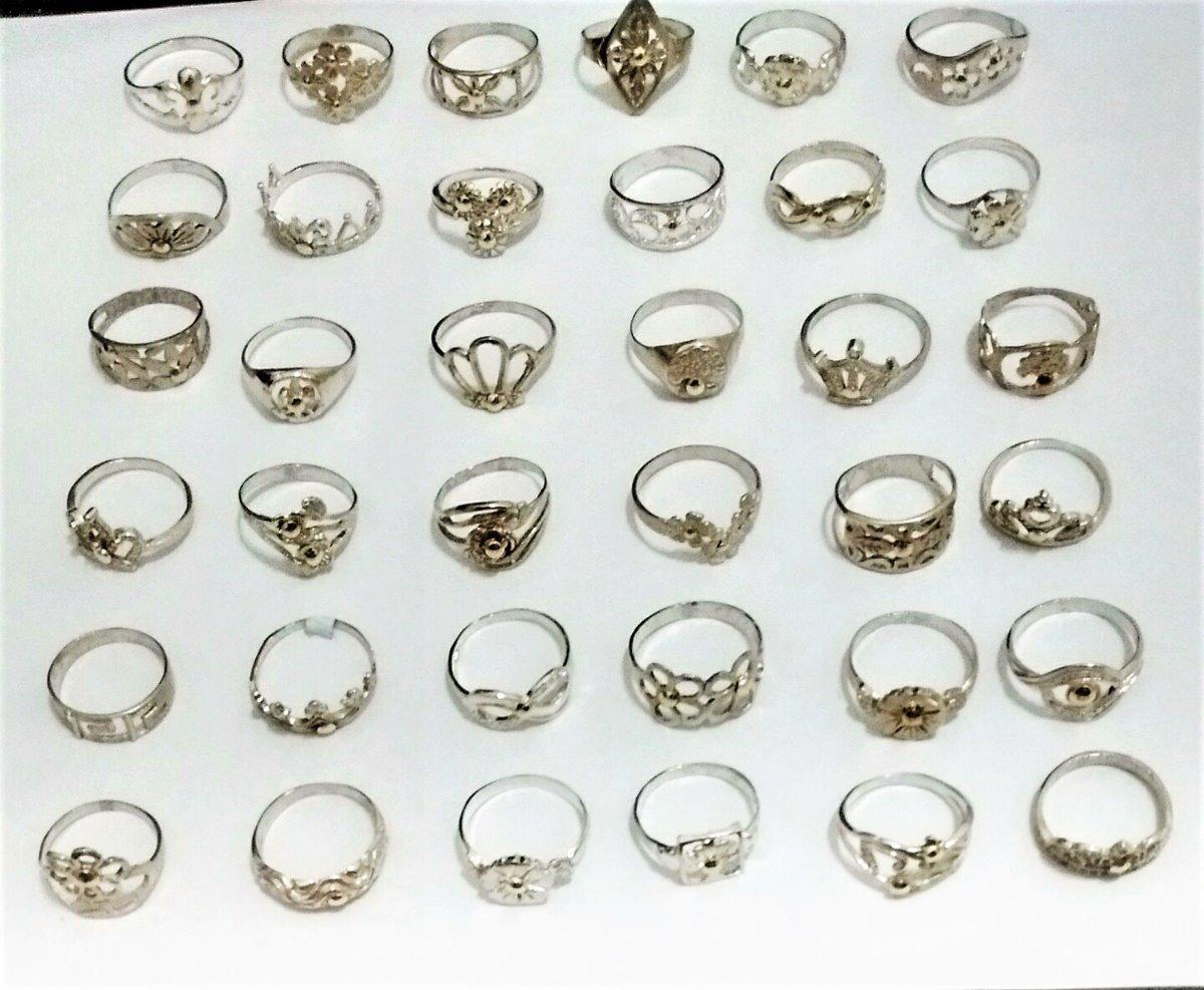 a5615ff6fc2a lote 36 anillos económicos de plata 925 con apliques de oro. Cargando zoom.