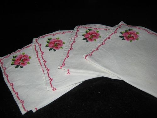 lote 4 servilletas de tela bordadas