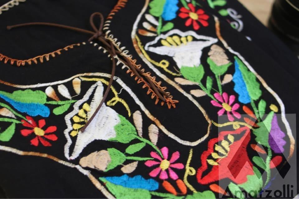 8cba264d4 lote 6 blusas artesanales mexicanas corte kimono y flores. Cargando zoom.