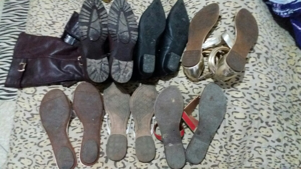 6a251a617 lote 6 calçados femininos bota couro rasteira schutz paquetá. Carregando  zoom.