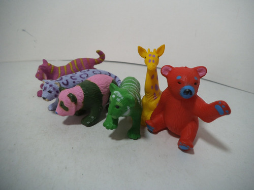 lote 6 figuras animales varios  k & m