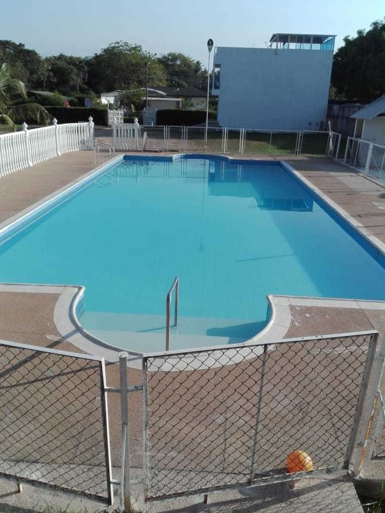 lote 66 metros cuadrados  frente a la piscina