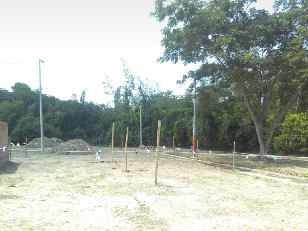 lote 72 metros2 urb.guayacanes correg todos los santos