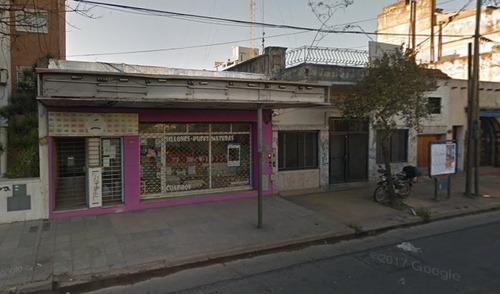 lote 8,66 x 51, con 6 deptos y 1 local s/avenida. zona r21