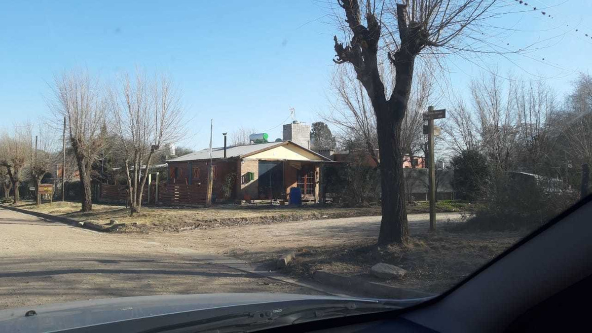 lote a la venta en comuna de san roque a 50 mts del colegio. oportunidad.(l57)