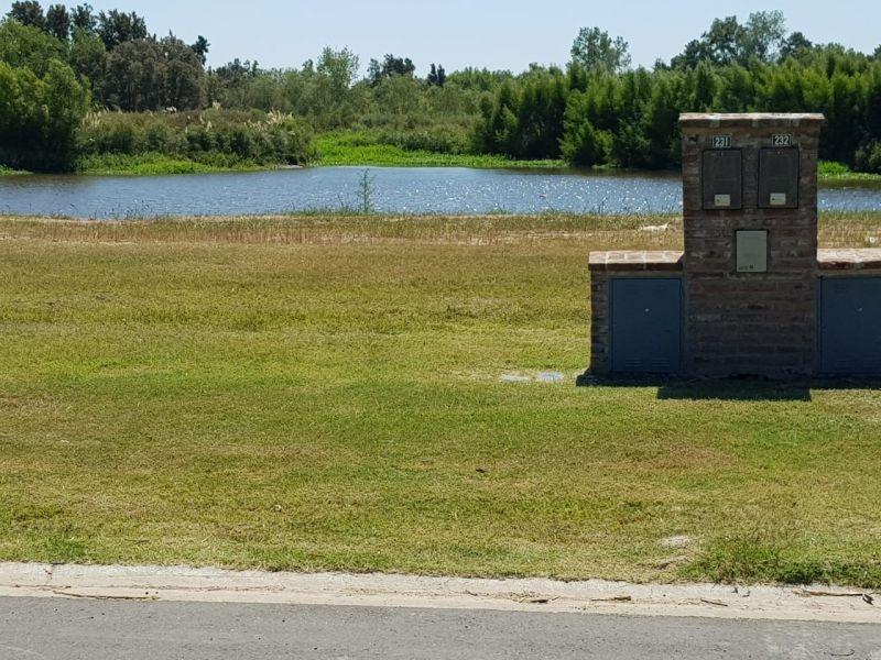 lote  al agua barrio cerrado el cazal- escobar