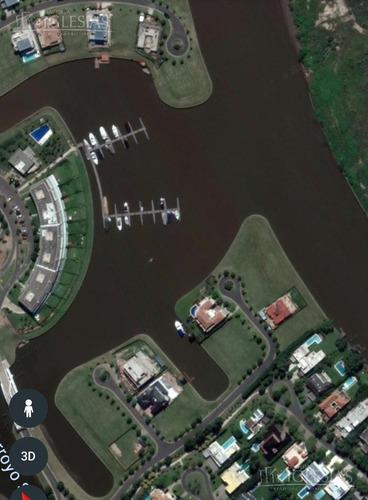 lote al río en el yacht nordelta ( acepta permuta )