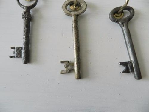 lote antiguas llaves coloniales y otras-15  unidades