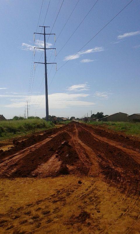 lote avenida (asfalto e agua) jardim itapua