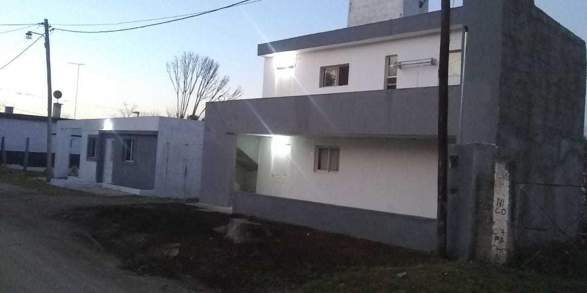 lote c 3 deptos y 1 casa ideal para inversion c posesion 17a