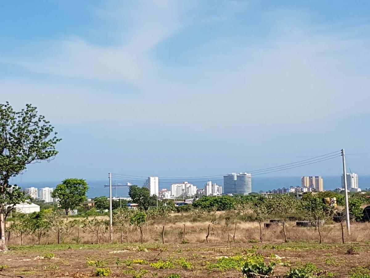 lote cerca a makancana, en la ciudad de santa marta