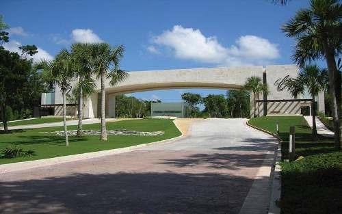 lote cerca del aeropuerto en cancun, country club