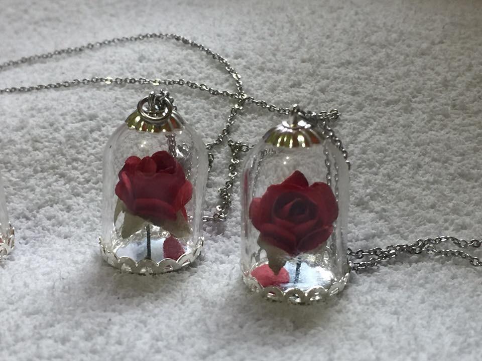dd95d2927b14 Lote Collar Dije La Rosa Encantada La Bella Y La Bestia 6 -   550.00 ...