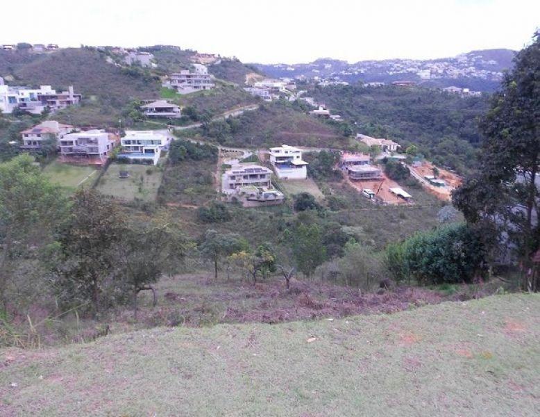 lote com 1.723,00m² no condomínio vale dos cristais em nova lima. - 1352