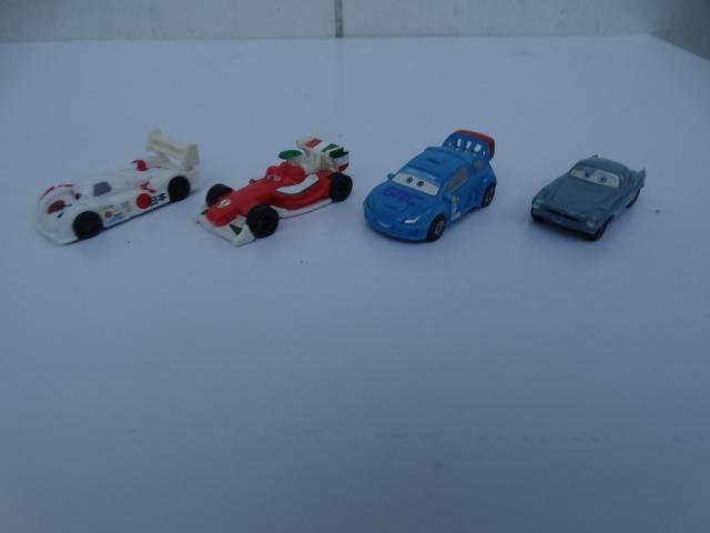Lote Com 4 Carros Do Filme Cars 2 Disney Pixar Kinder Ovo R 49