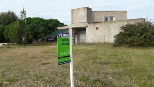 lote comercial céntrico con depósito y viviend